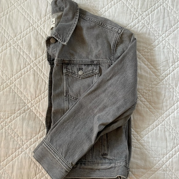 Madewell Boxy-Crop Jean Jacket in Washed Grey